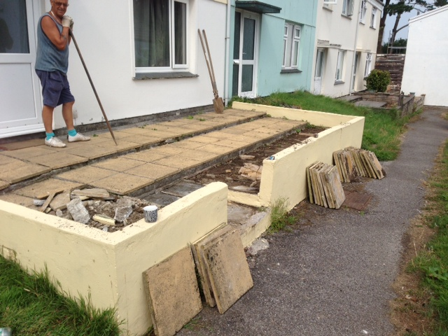 Garden patio area falmouth cornwall landscaping and paving for Gardening jobs cornwall